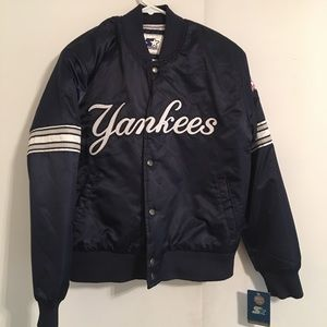 Other - YOUTH large yankee's starter puff jacket